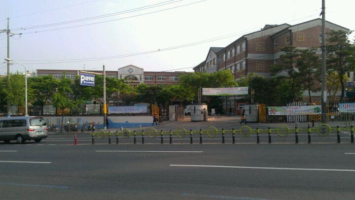 대구대성초등학교 | 대구광역시 서구 국채보상로 426 | +82 53-572-2803