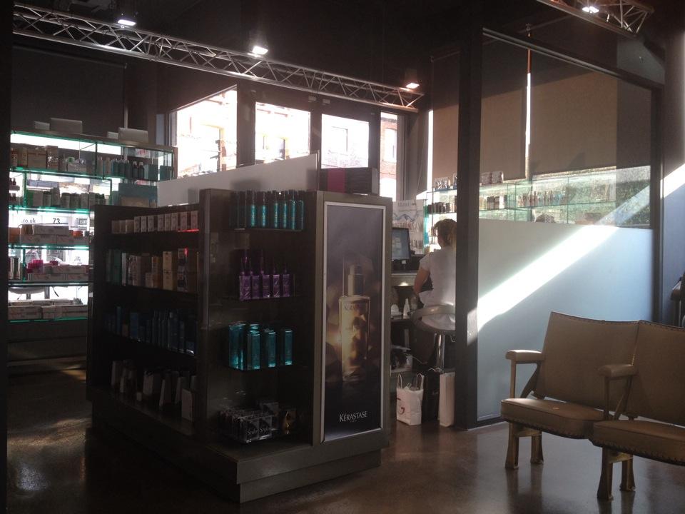 The London School of Beauty & Make-up   18-19 Long Lane, London EC1A 9PL   +44 20 7776 9767