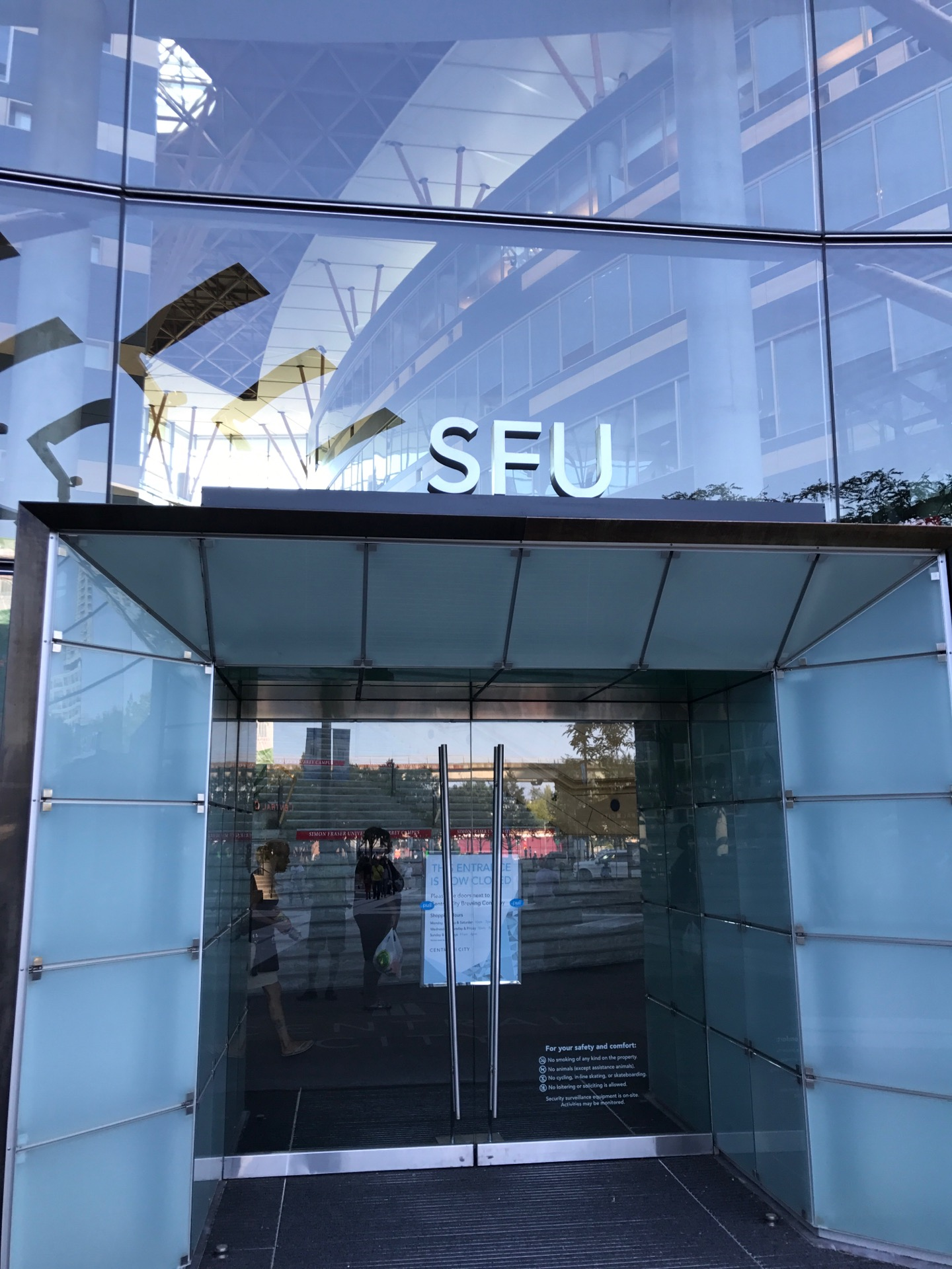 SFU Surrey: Business Lounge | 250-13450 102 Ave, Surrey, BC V3T 0A3 | +1 778-782-8019