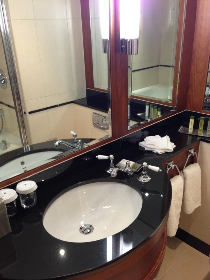 DoubleTree by Hilton Hotel Newcastle International Airport | Woolsington, Newcastle NE13 8BZ | +44 1661 824266