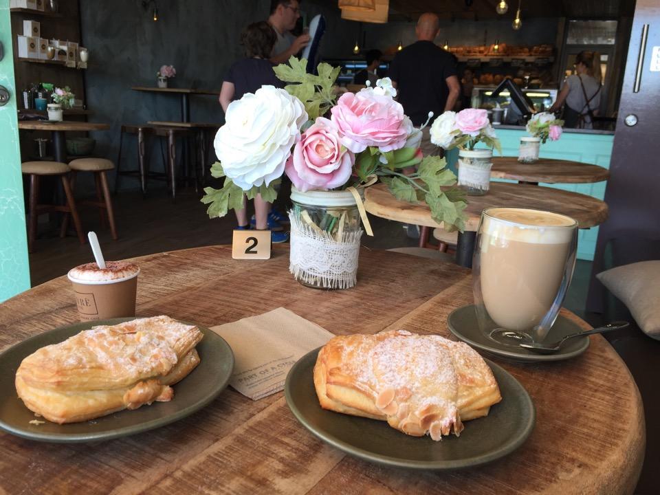Vivré a Vie Organic Bakery & Café | Shop 1 & 2 2364 Gold Coast Highway, Mermaid Beach, Queensland 4218 | +61 7 5526 1920