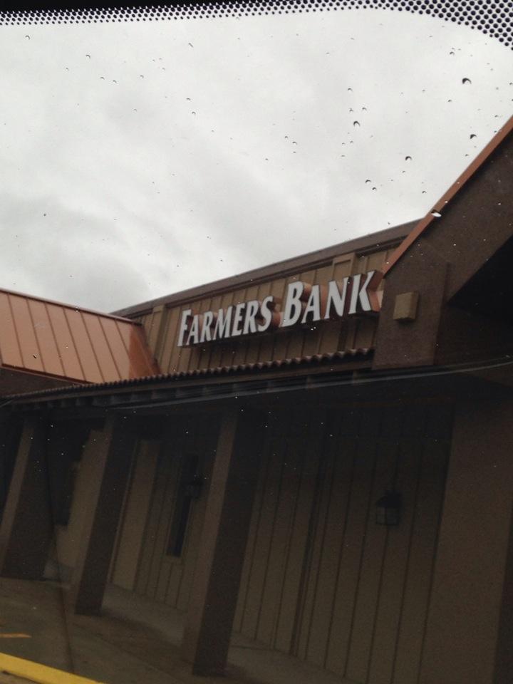 Farmers Bank & Trust   1612 Main St, Great Bend, KS, 67530   +1 (620) 792-1431