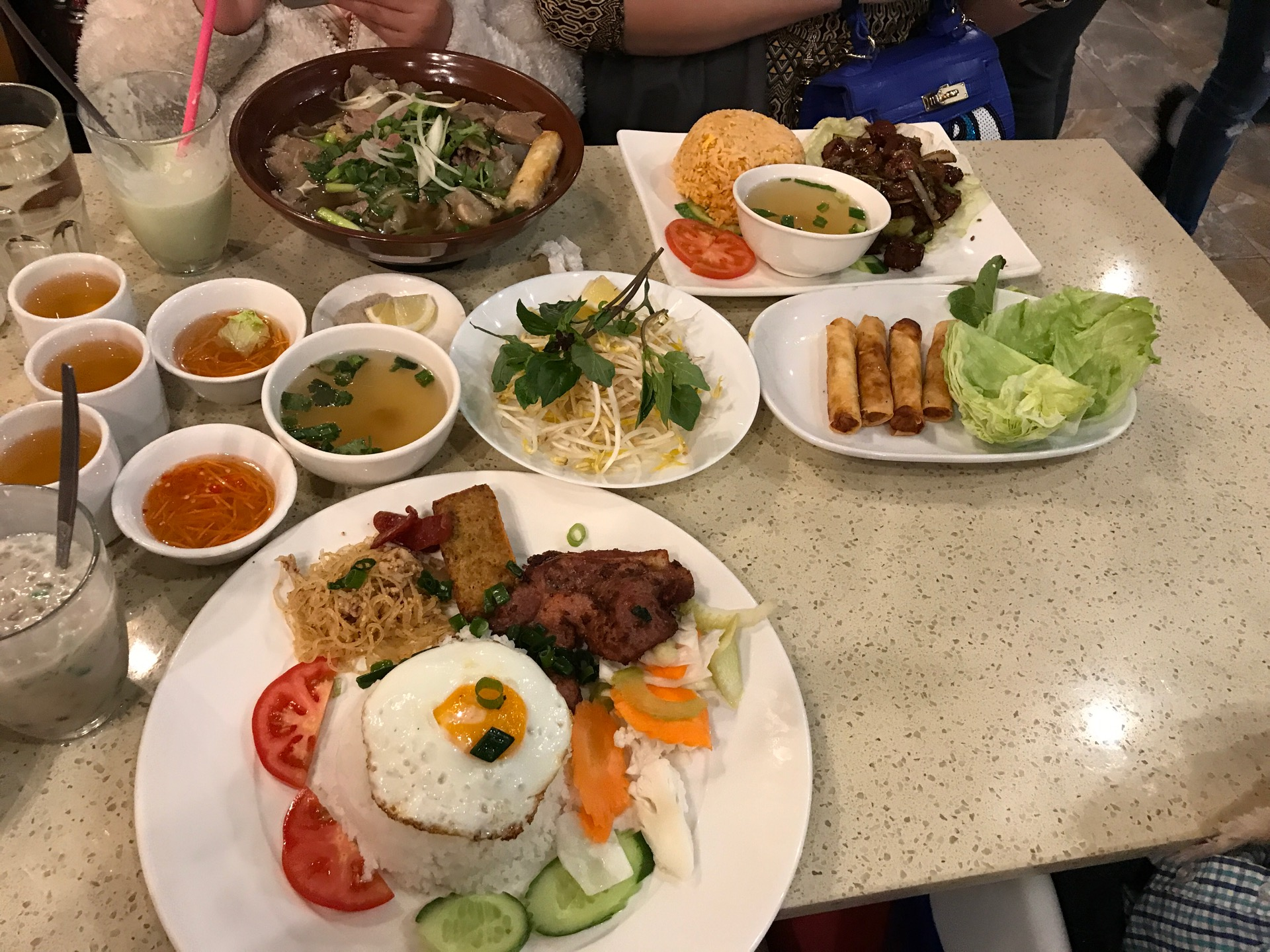 Thuan Phat Vietnamese And Chinese Restaurant | 56 ALFRIEDA Street, St Albans, Victoria 3021 | +61 3 9364 3872