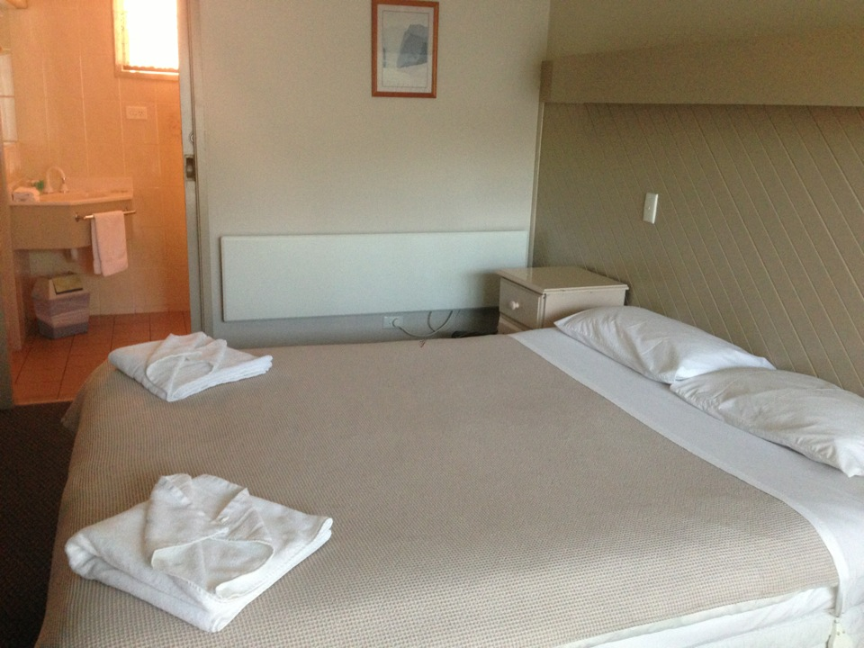 Coachman Motel And Holiday Units Phillip Island | 51 Chapel Street, Cowes, Victoria 3922 | +61 3 5952 1098
