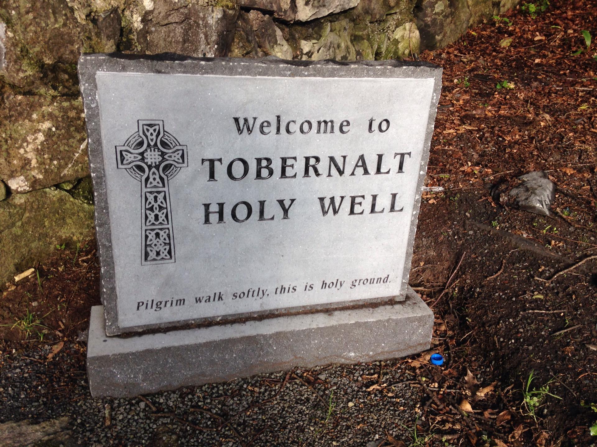 Tobernalt Holy Well   Holy Well Rd., Carraroe   +353 71 916 2136