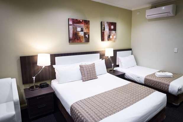 Best Western Airport Motel & Convention Centre   33 Ardlie Street, Attwood, Victoria 3049   +61 3 9333 2200