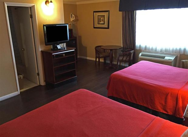 Americas Best Value Inn San Mateo San Francisco | 140 N Bayshore Blvd, San Mateo, CA, 94401 | +1 (650) 342-3273