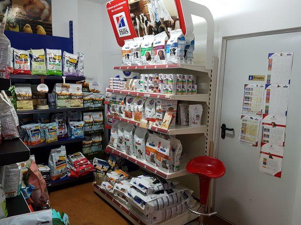 Canalejas 111 Peluqueria Canina, tienda de mascotas y Veterinaria | Paseo Canalejas, 111, 37001 Salamanca | +34 923 060 044