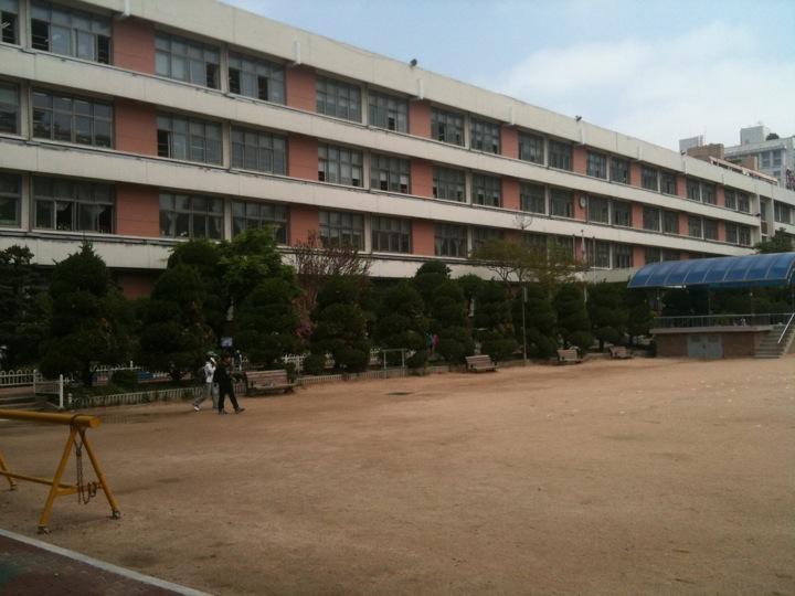 서이초등학교 | 서울특별시 서초구 서운로 35 | +82 2-3474-7020
