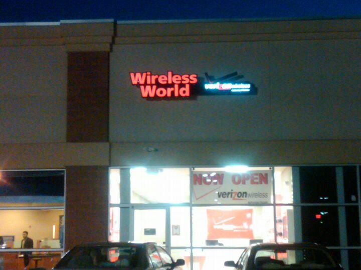 Verizon Authorized Retailer - Russell Cellular | 454 Kinderkamack Rd, Emerson, NJ, 07630 | +1 (201) 483-8858