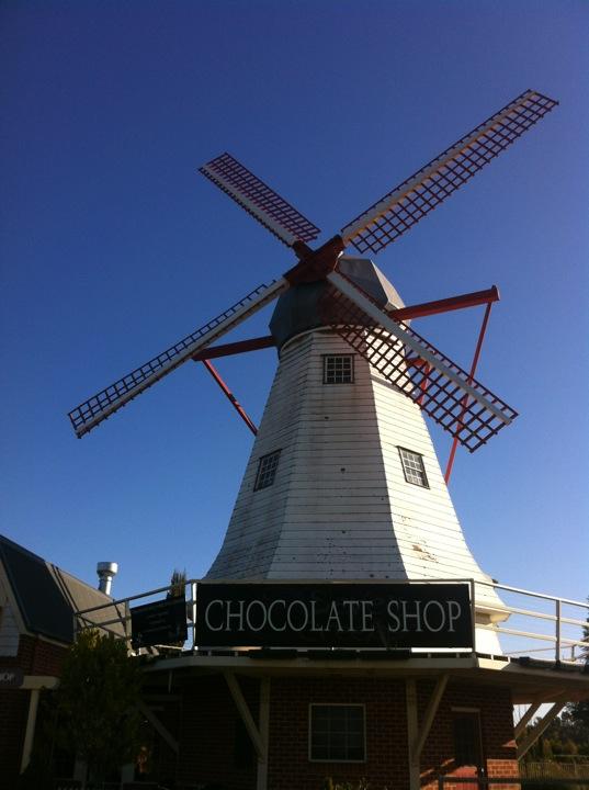 Seven Creeks Chocolate Shop & Cafe   7717 GOULBURN VALLEY Highway, Kialla, Victoria 3631   +61 3 5823 1308